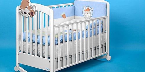 Ребенок в кроватке сонник
