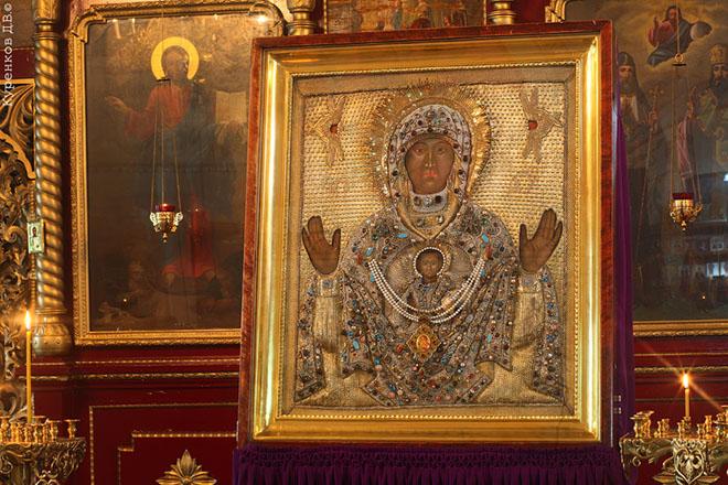 К чему сниться найти золото в церкви